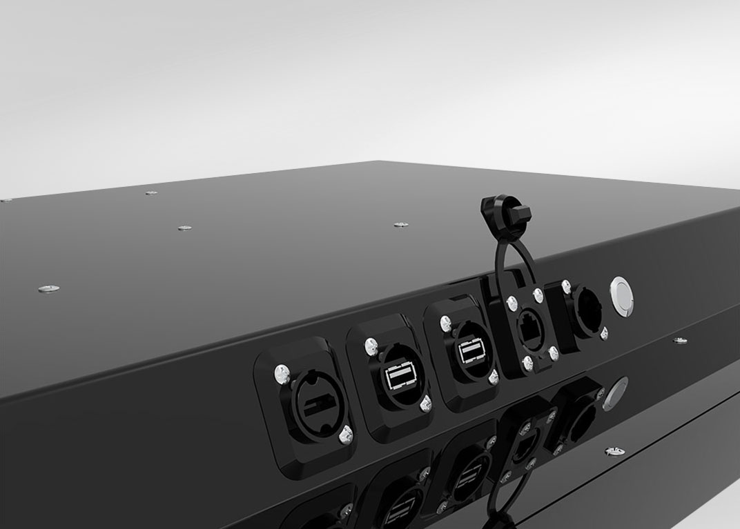 IP65-Industrie-PC mit Touchscreen: Anschlüsse